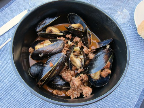 Steamed Mussels with Spanish Chorizo
